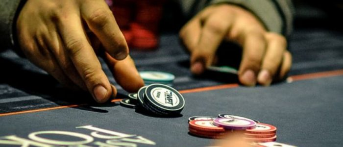 Stunning Advantages You Get Through Playing Poker Online
