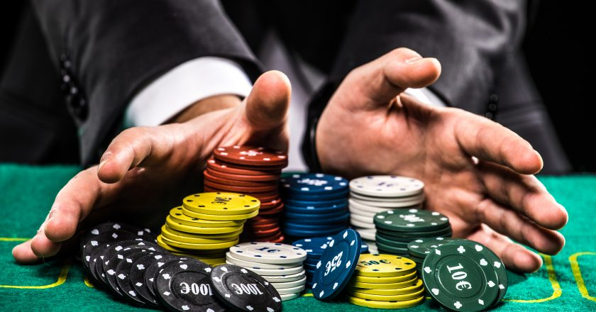 Playing Poker Online – Unlimited Fun on the Net